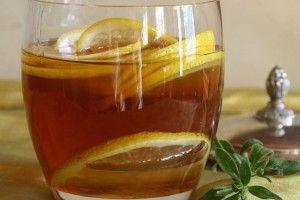 Miele, limone e acqua calda: benefici e proprietà