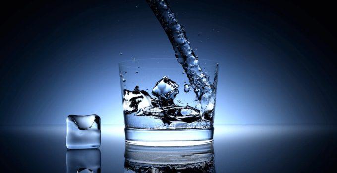 Quali sono i pericoli per la salute dell'acqua ghiacciata